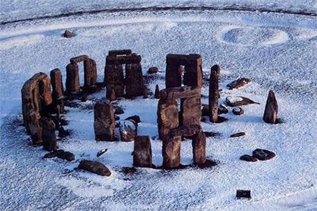 Stonehenge Winter - Evans Evans